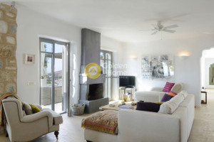 Residence-270-sqm-Paros-(Cyclades)-2.500.000-euro | Golden Home Real Estate