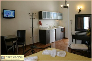 Residence-420-sqm-Milos-(Cyclades)-750.000-euro | Zirogiannis Real estate