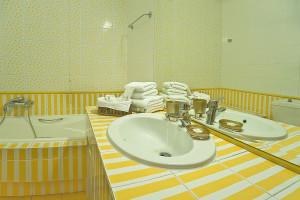 Andere-Immobilien-1300-sqm-Aidipsos-(Euböa)-3.000.000-euro | ARPON Kataskevastiki Ltd