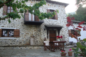 Haus-150-sqm-Mouresi-(Pilio)-730.000-euro   House Team