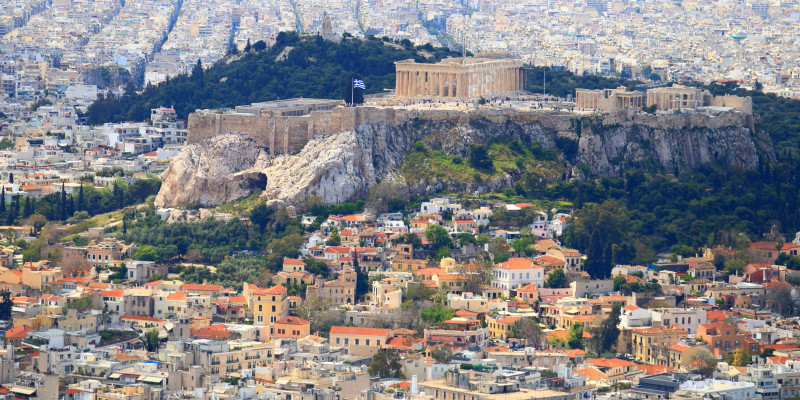 Greek real estate promises high returns