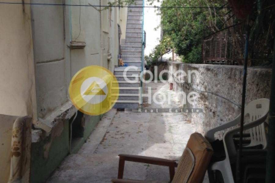 Haus, 241qm, Alimos (Athen Süd), 650.000 € | Golden Home Real Estate