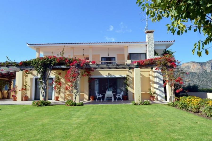 Residence, 592m², Leonidio (Arkadia), 1.500.000 € | Argolida Real Estate