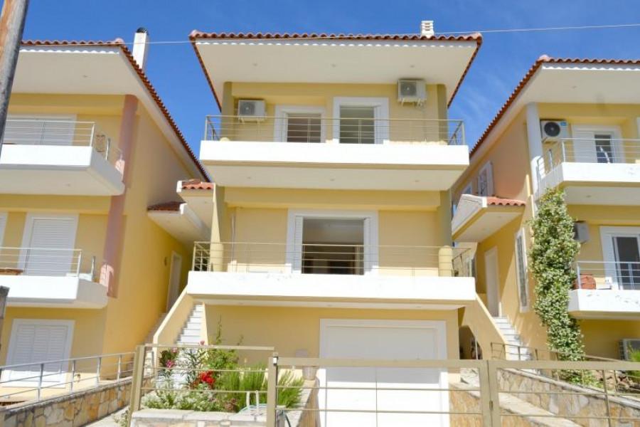 Haus, 165qm, Asini (Argolida), 200.000 € | Argolida Real Estate