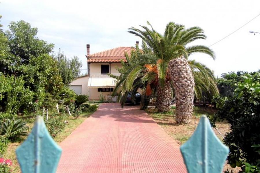 Residence, 230m², Lerna (Argolida), 190.000 € | Argolida Real Estate