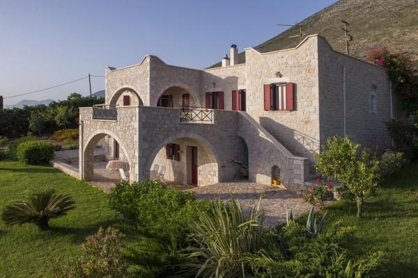 Residence, 330m², Oitylos (Lakonia), 900.000 € | Skouras Real Estate