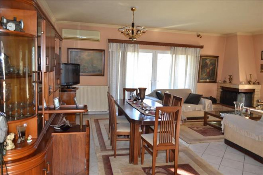 Residence, 400m², Aggelokastro (Aitolia & Akarnania), 360.000 € | Grekodom Development