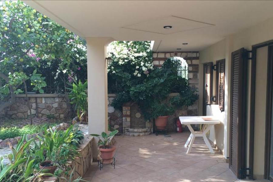 Residence, 320m², Vari- Varkiza (South Athens), 750.000 € | Grekodom Development