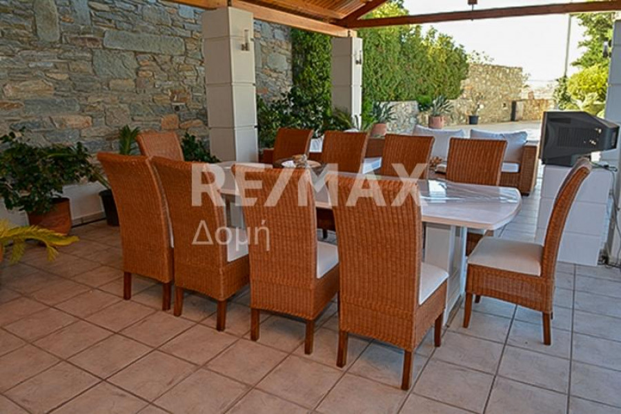 Residence, 550m², Volos (Magnisia), 1.600.000 € | REMAX Domi