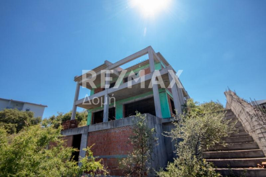 Residence, 275m², Volos (Magnisia), 140.000 €   REMAX Domi