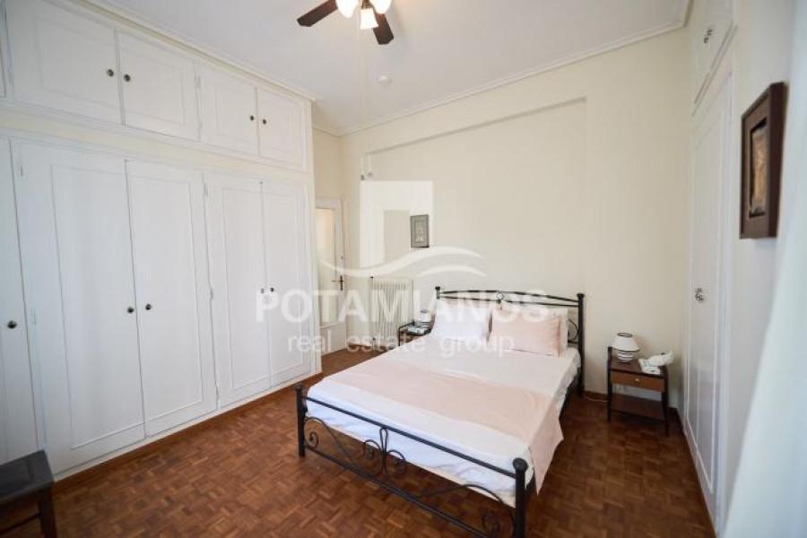 Residence, 241m², Alimos (South Athens), 800.000 €   Potamianos Real Estate Group