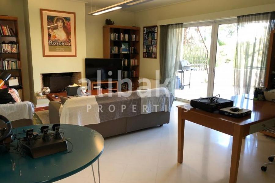 Residence, 110m², Glyfada (South Athens), 450.000 €   MARIA ALYMPAKI