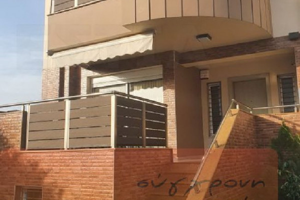 Haus, 175qm, Acharnes (Athen West), 250.000 €   SYGXRONI ESTIA