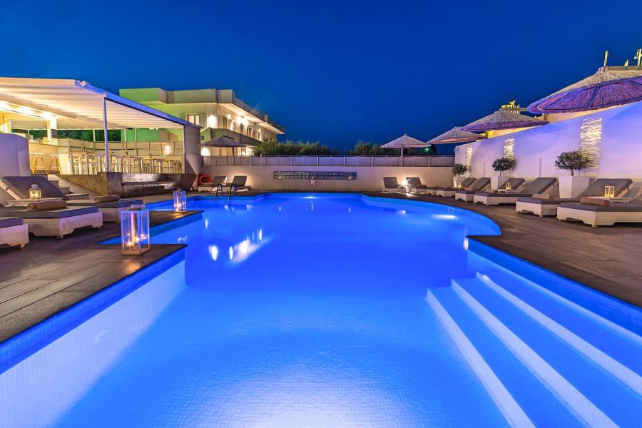 Gewerbe-Immobilie, 800qm, Agios Nikolaos (Lasithi Präfektur), 2.750.000 € | KM Real Estate Agency