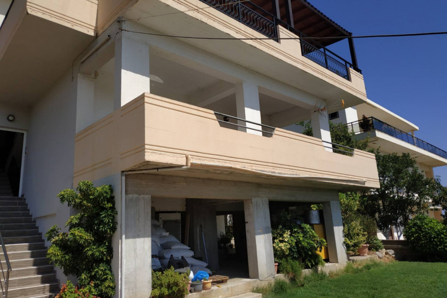 Haus, 260qm, Nea Kydonia (Chania Präfektur), 420.000 €   CONTRACT Real Estate
