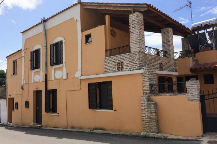 Haus, 220qm, Platanias (Chania Präfektur), 220.000 €   CONTRACT Real Estate