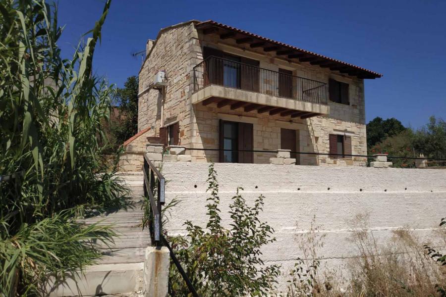 Haus, 130qm, Therisos (Chania Präfektur), 230.000 €   CONTRACT Real Estate