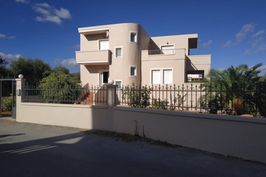 Haus, 250qm, Nea Kydonia (Chania Präfektur), 750.000 €   CONTRACT Real Estate